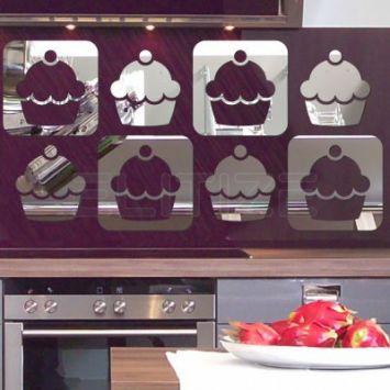 Espelho Decorativo em Acrílico Cupcakes - Médio DESCONTO DE R$: 78,00 (43,33% OFF) - OFERTA MOBLY