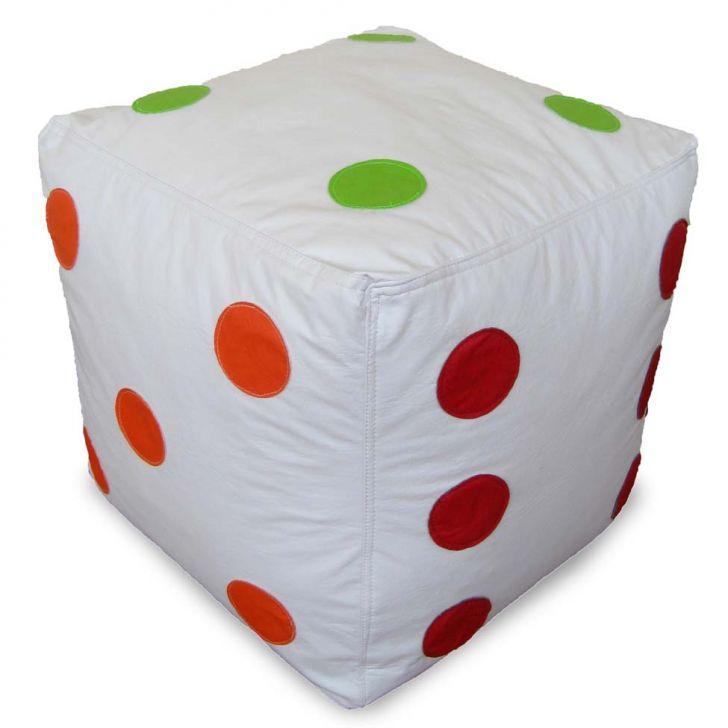 Puff Infantil Dado Grande em Couro Sintético Unissex Branco com Bolas Coloridas